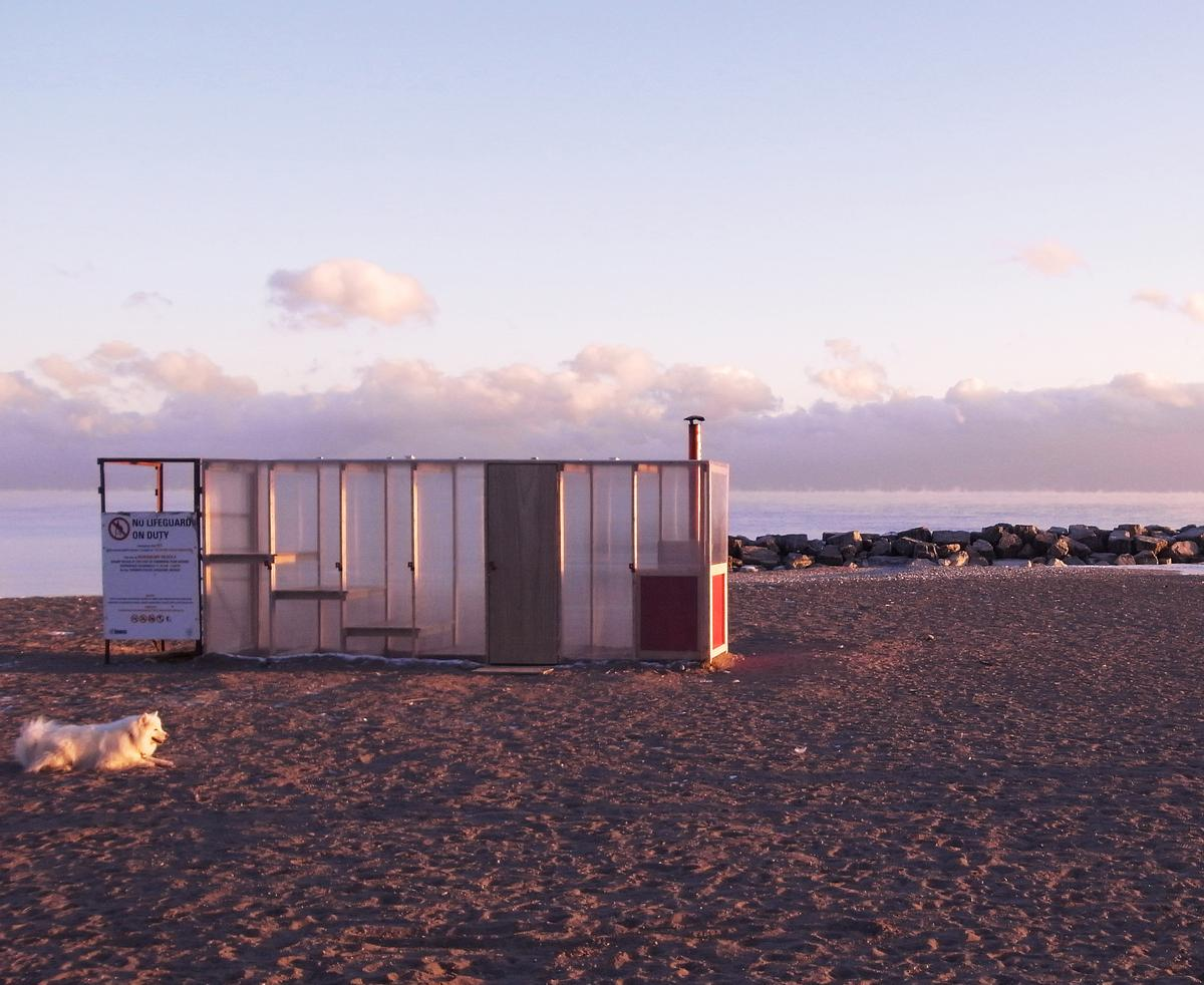 The polycarbonate outer skin of the sauna gives winter walkers a steamy glimpse of the bathers within