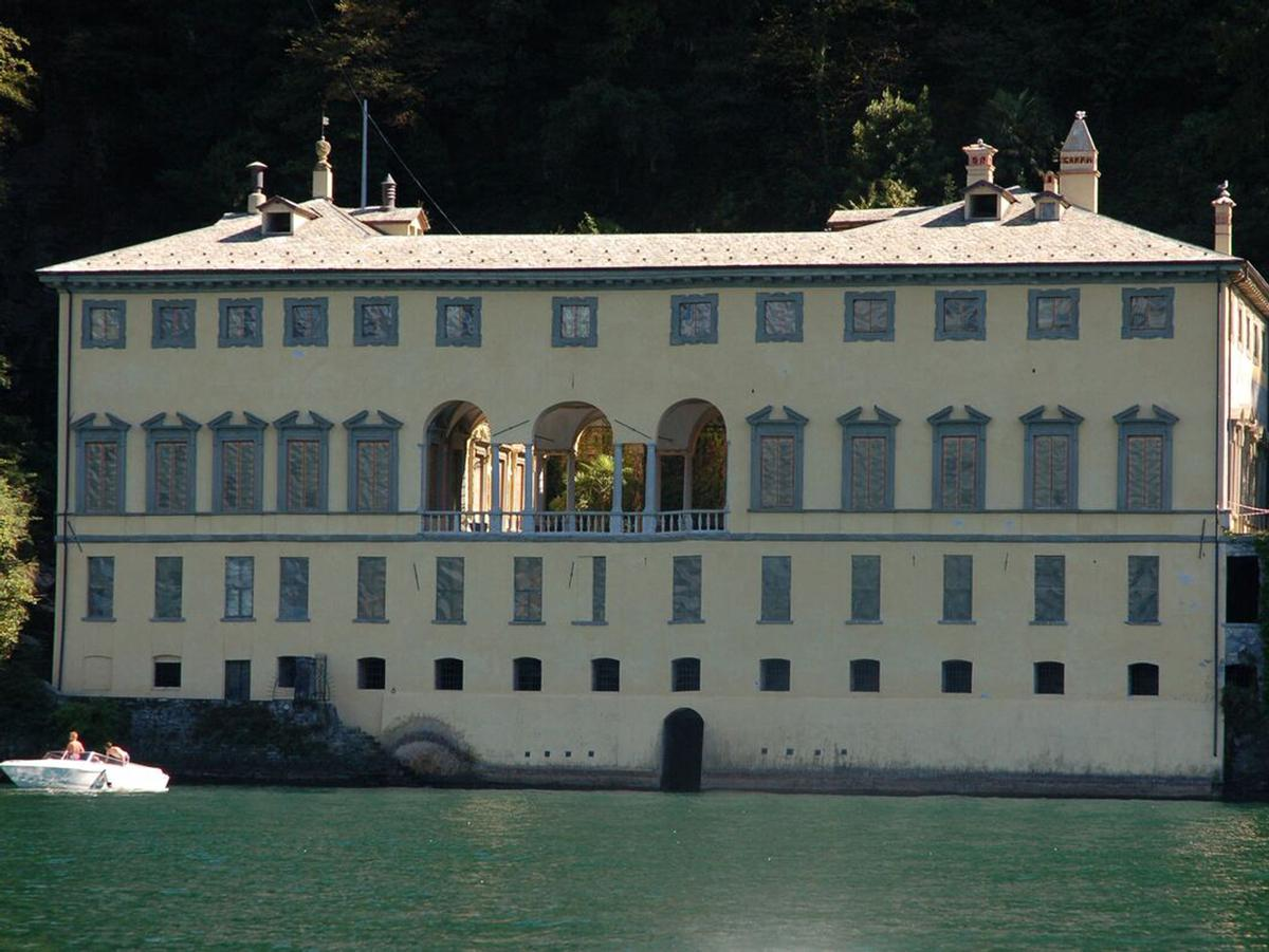 Villa Pliniana's land was originally built on by Count Giovanni Anguissola in 1573, and has been visited by the likes of Lord Byron and Napoleon