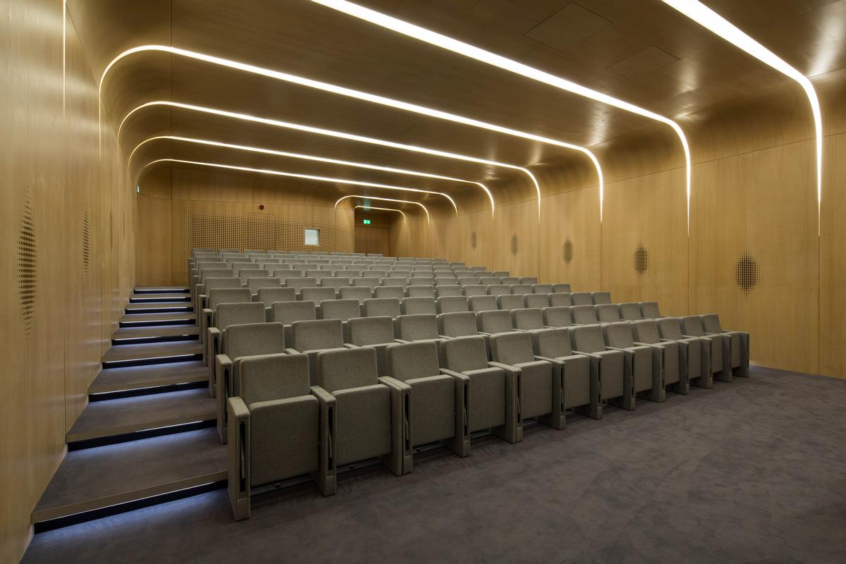 Hadid's design also provides a new 118-seat lecture theatre / ZHA / Luke Hayes