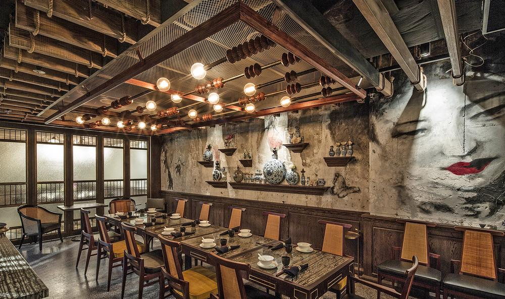 Mott 32 features a large dining area and five private rooms; Vasco's luxurious dining room