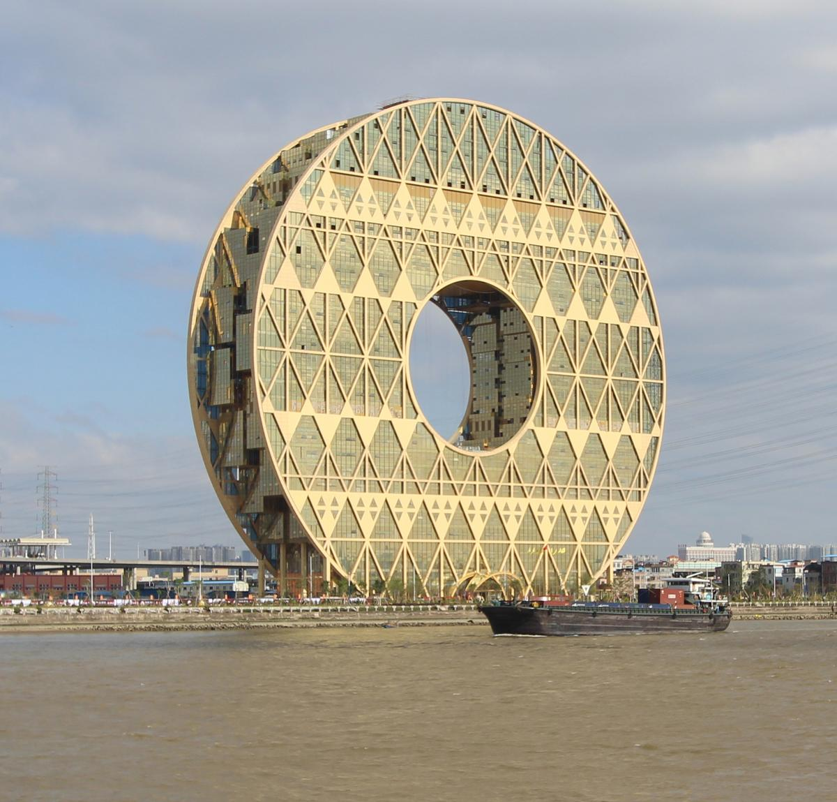 The Guangzhou Circle by Italian architect Joseph di Pasquale / Midip