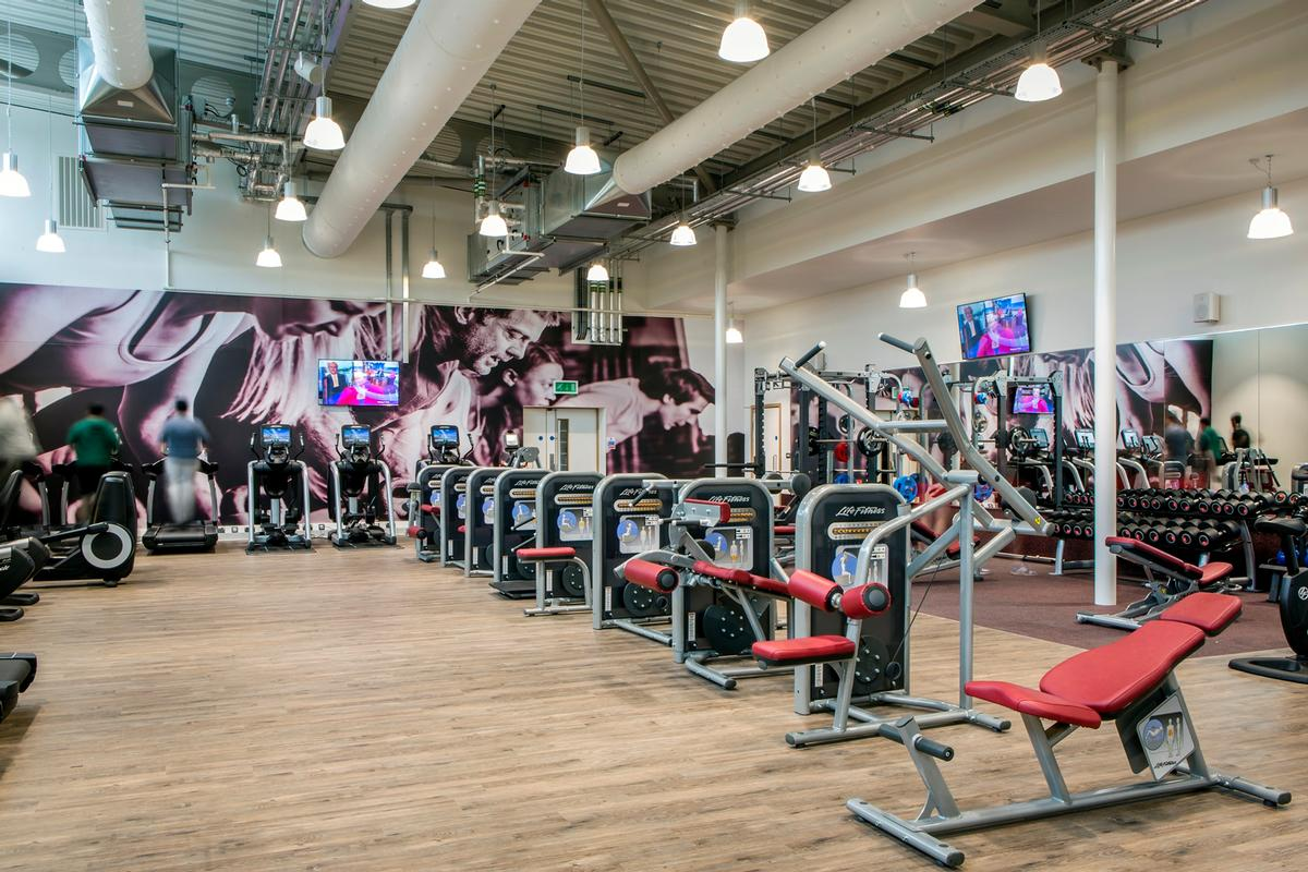 The facility includes a 25m (82ft) pool, as well as a learning pool and a 100-station gym supplied by Life Fitness