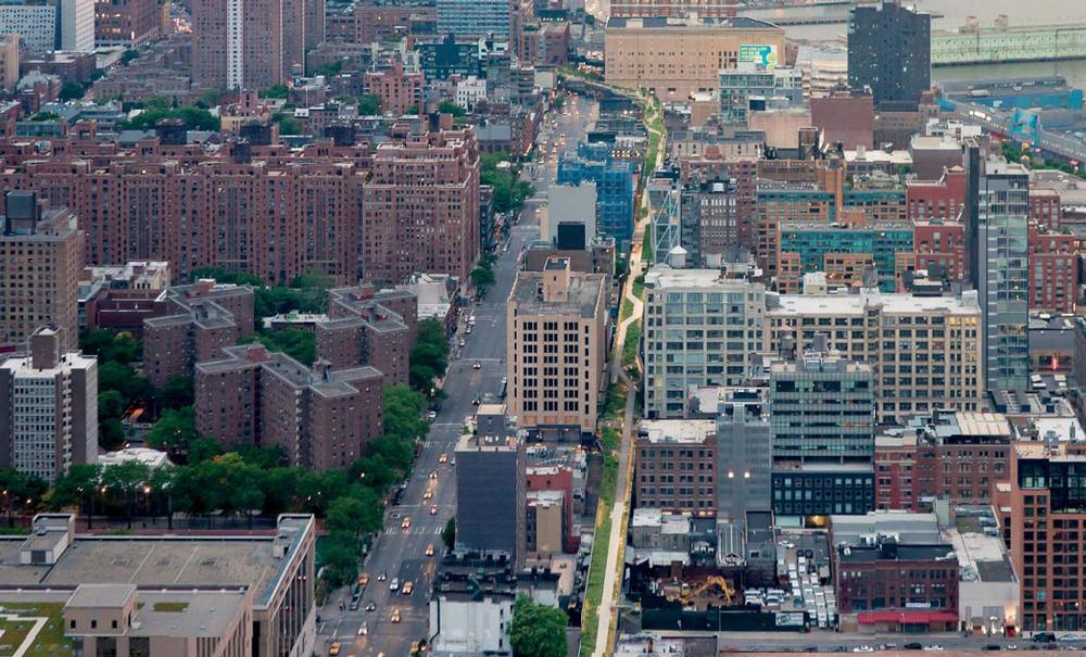 The New York High Line appears like a flash of green through the city. A year-round programme of events keeps visitors coming back for more