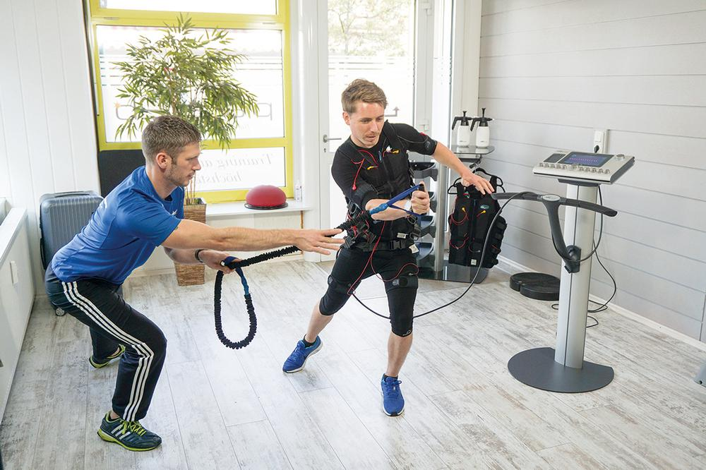 In sports studies, whole body EMS increased maximum athletic performance by up to 30 per cent