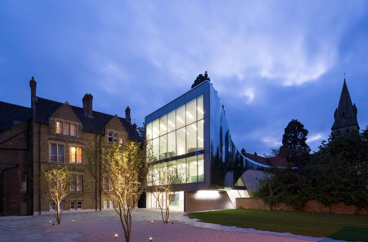 The £11m (US$16.8m, €15.4m) building spans two Victorian buildings of St Antony's College / ZHA / Luke Hayes