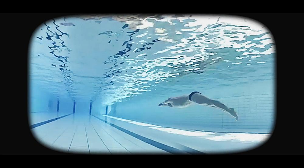 Through the VR headsets, children get to experience the feeling of plunging into a pool for the very first time
