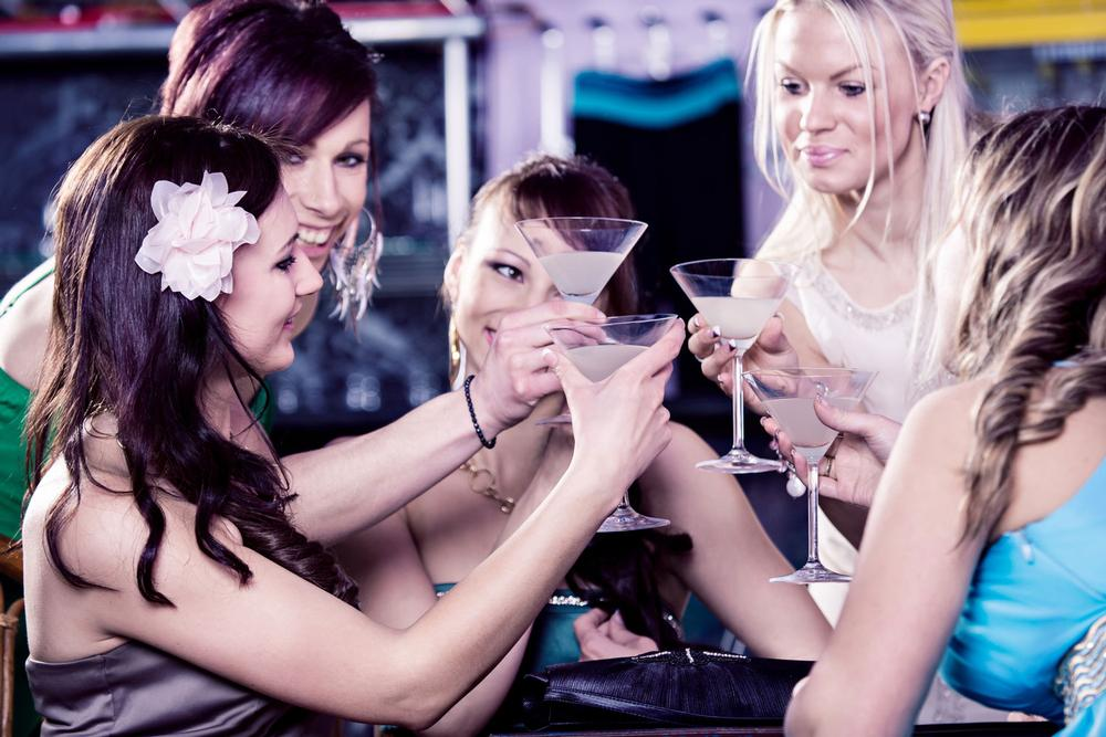 CheckinDJ uses social media feeds to shape the playlist to the current audience / Photo: shutterstock.com/val thoermer
