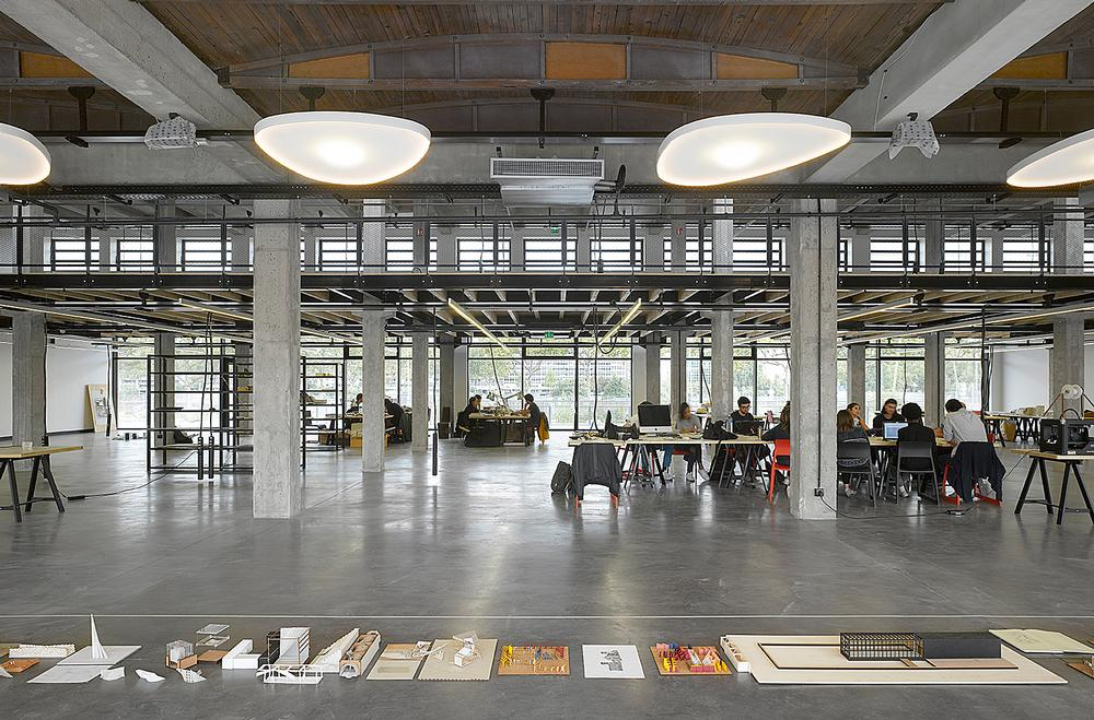 Decq opened the Confluence Institute architectural school in 2014