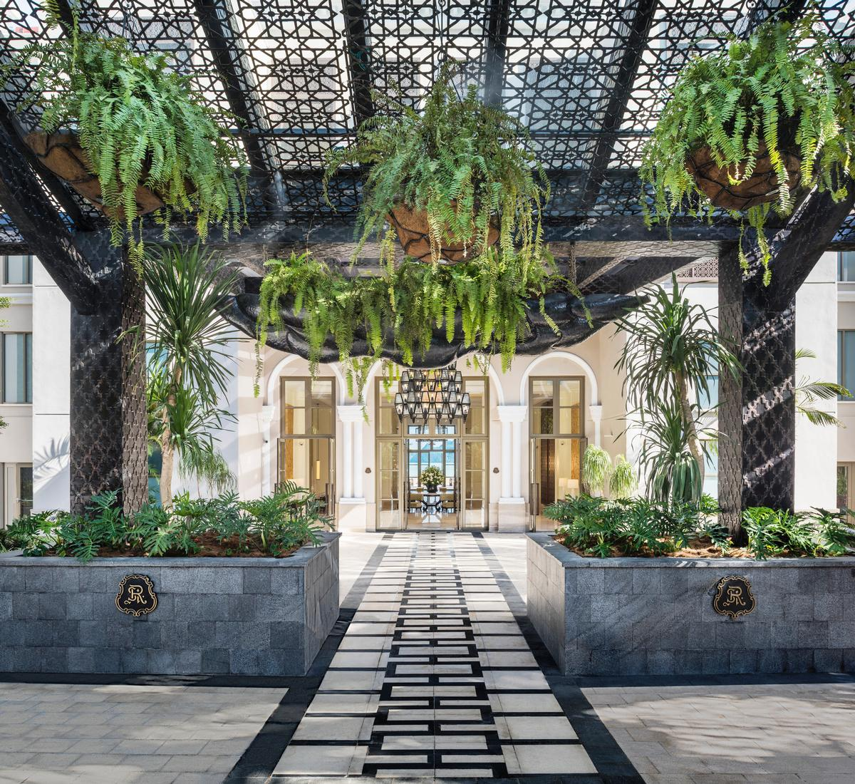 The rainforest-inspired hotel lobby / St Regis