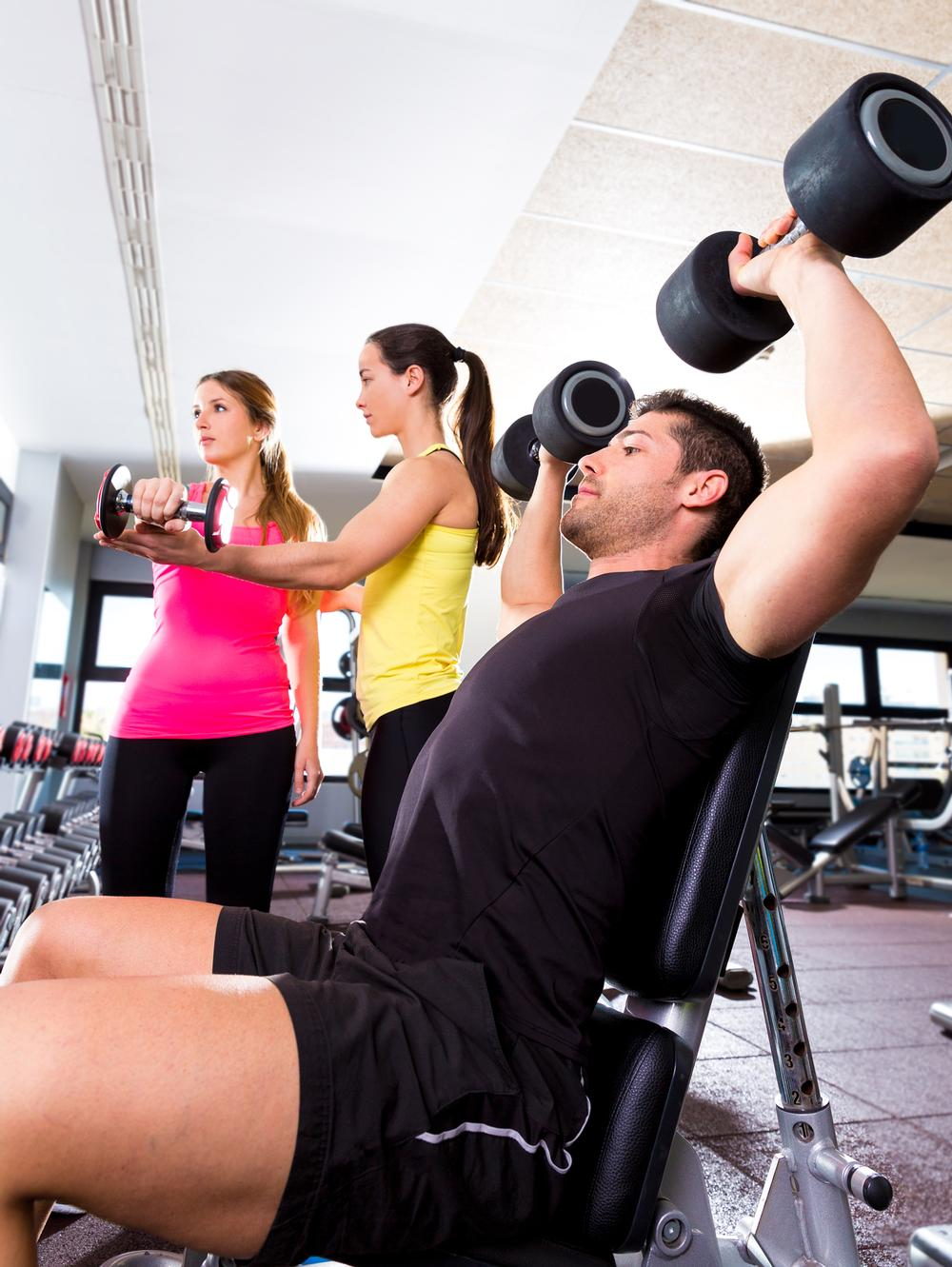Young male gym-goers aren't talked to by fitness staff as often as female members / photo: www.shutterstock.com