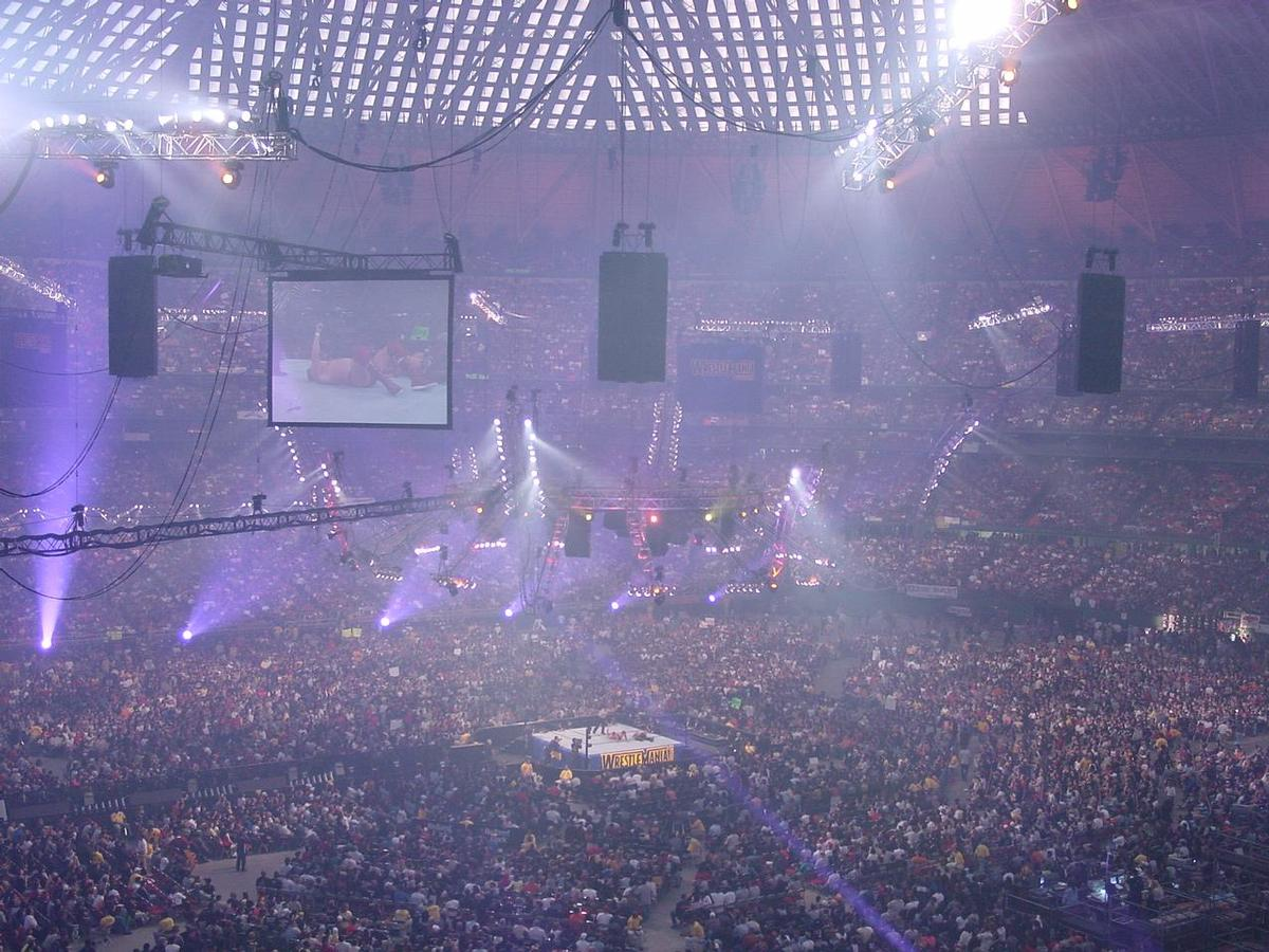The dome set an all-time record attendance of 67,925 hosting WrestleMania X-Seven / Wikipedia.com