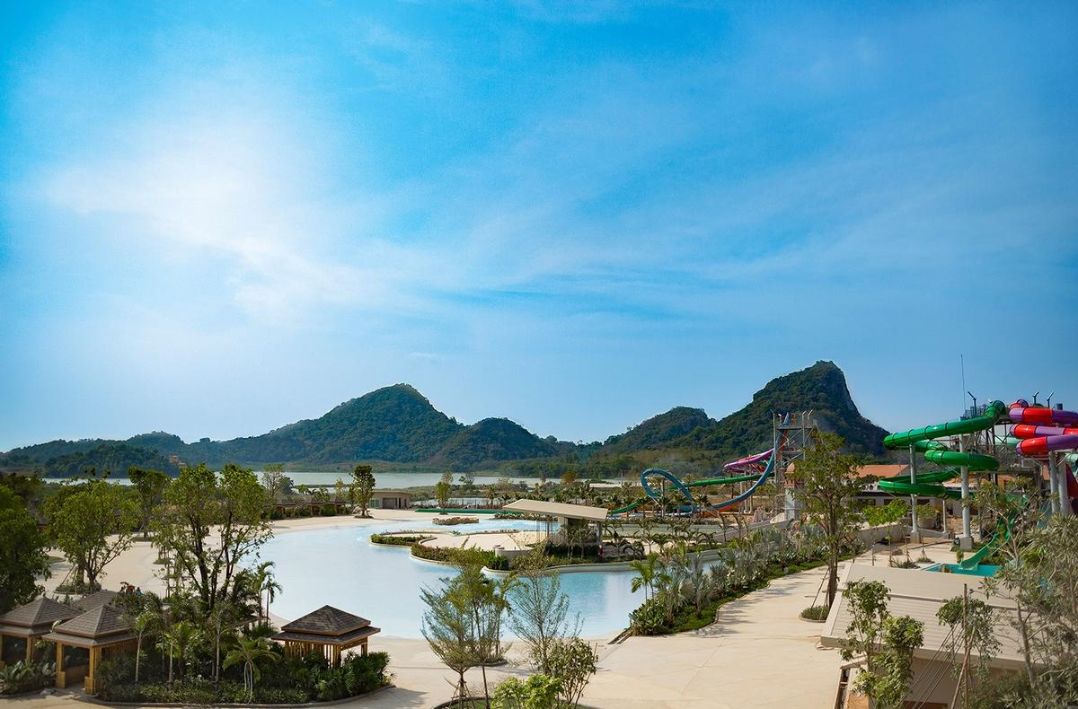 The waterpark is surrounded by a picturesque scene of natural lakes and hills