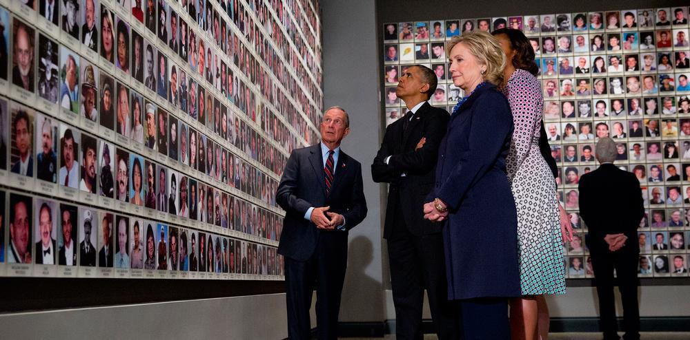 President Obama viewing the In Memoriam exhibit