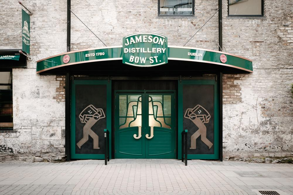 In the 40-minute Bow St Experience, brand hosts tell the story of the Jameson distillery and its barrelmen