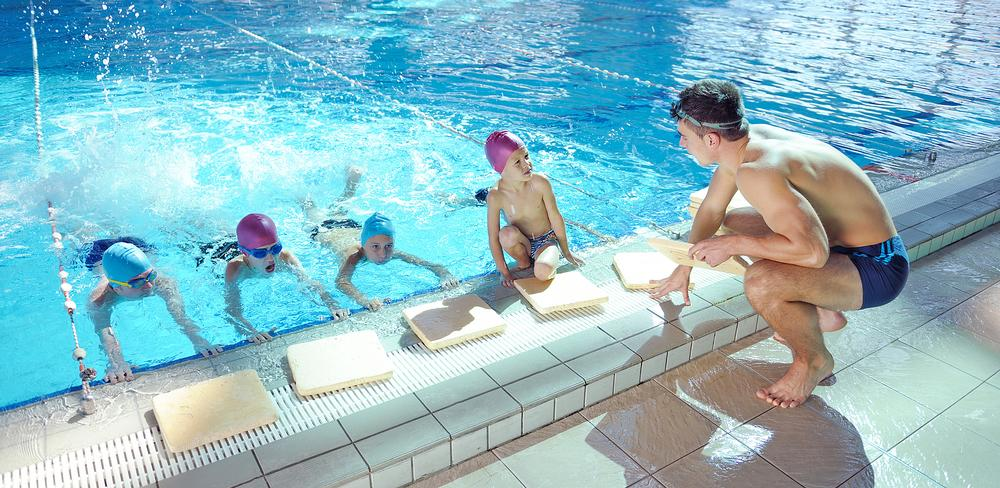 A school swimming report recommends new pools be built to aid the delivery of lessons / © shutterstock/esb professiona