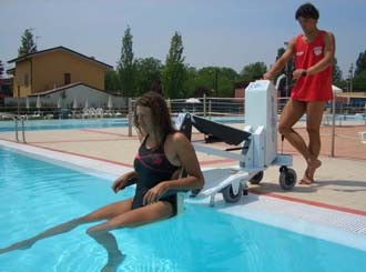 UK launch for new portable pool lift