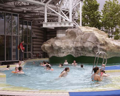 Exciting leisure centres - Swimming pools with slides in yorkshire ...