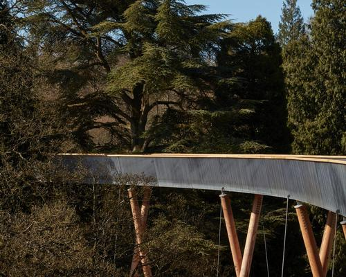 Named the STIHL Treetop Walkway, the installation has been designed by Glenn Howells Architects with engineers Buro Happold / Rob Parrish