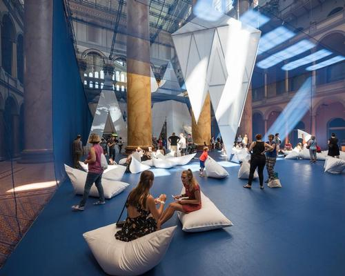 Cushions evocative of ice blocks provide space for relaxation below the icebergs / Timothy Schenck