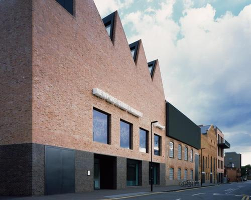 Caruso St John's Newport Street Gallery in Vauxhall is nominated for the Stirling Prize / Helene Binet