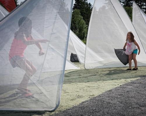 Children are free to play in the tents / International Garden Festival