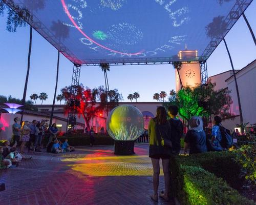 The experience was formed of two installations on the station's south plaza which aimed to capture the essence of the diverse aspects of Los Angeles / David Green