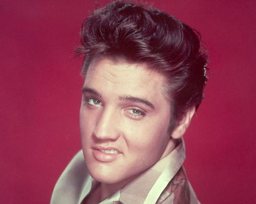 The museums in the complex will explore Elvis Presley's music, movie and live touring career / Wiki Commons