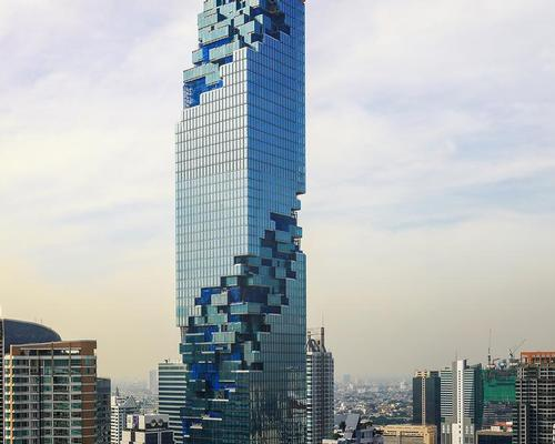 MahaNakhon features a three-dimensional ribbon of architectural pixels that coil around the building / Alexander Roan, courtesy of PACE