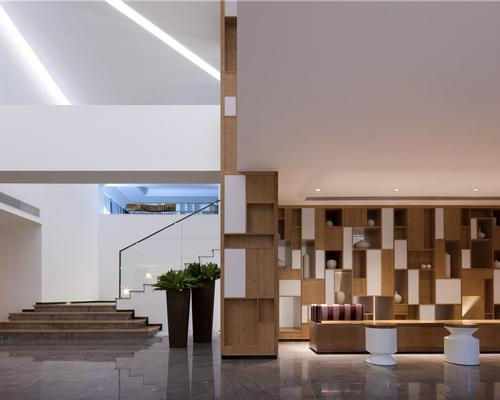The minimalist hotel showcases Ronger Kane's 'less is more' approach to creating spaces / Jing Xu-Feng