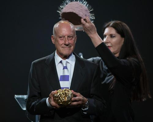 Abramovic created the sculpture to present to Foster at a gala celebrating his victory in the 2016 Scopus Awards / David Vexelman