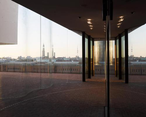 The 37m high observation deck contains an elevated walkway around the building / Michael Zapf