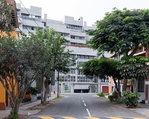 The Universidad de Ingeniería y Tecnología (UTEC) in Lima, designed by Grafton Architects, has won the first ever RIBA International Prize / Iwan Baan