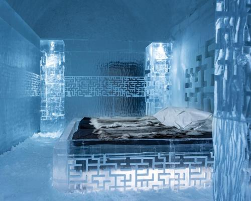 A series of architects and designers have created suites for the hotel / Icehotel