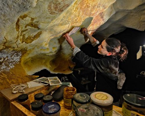 To create total immersion for visitors, the replica cave and its 1,900 paintings have been fully recreated / Denis Nidos