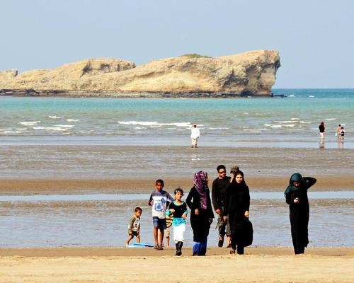The development will come up along the Barka waterfront along a 1km section of beach