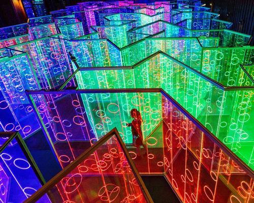 The 2.5 metre-high (8.2ft) acrylic glass maze is coated with a dichroic film / ImagenSubliminal.com / Miguel de Guzman+Rocio Romero