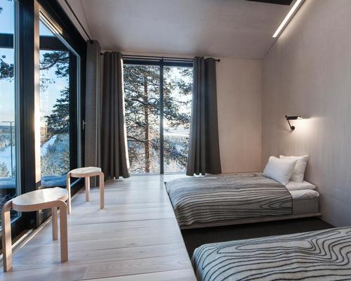 The guestrooms feature beds embedded in the floor / Johan Jansson