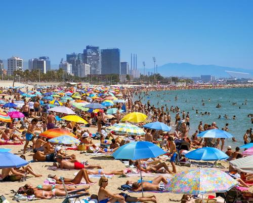 Overflowing Barcelona introduces new law to reduce surging tourism numbers