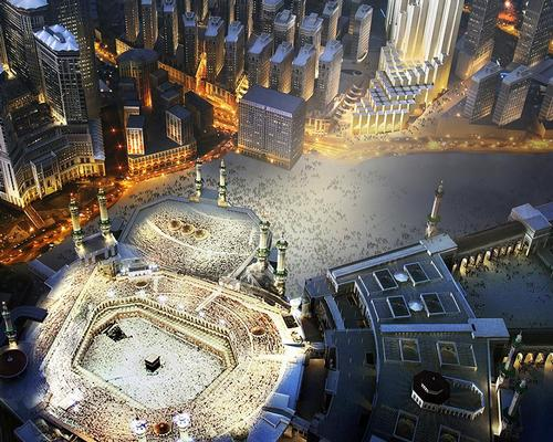 The complex will overlook the Grand Mosque and the sacred Holy Kaaba / Foster + Partners
