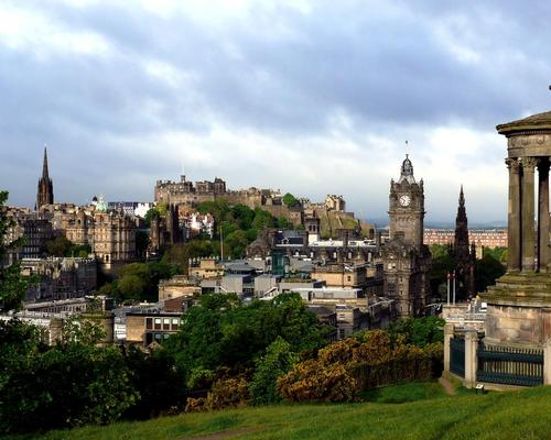 The concert hall will be built in St Andrew Square, close to Edinburgh's famous Calton Hill / Wiki Commons