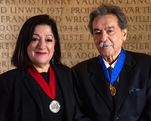 RIBA president Jane Duncan with RIBA Gold medalist Paulo Mendes da Rocha / RIBA