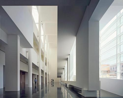 The Barcelona Museum of Contemporary Art features white, light-filled open spaces / Scott Frances/OTTO