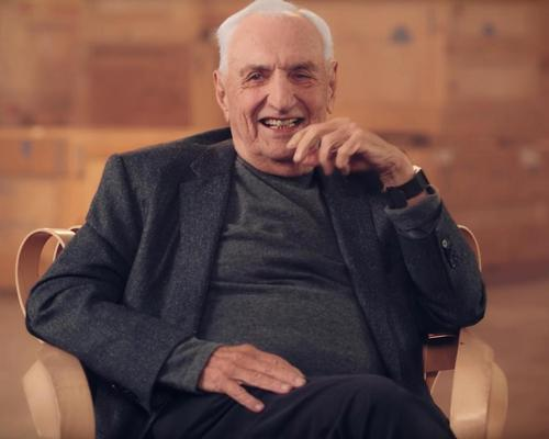 Gehry will deliver at least 15 video lessons sharing his design philosophy using case studies, sketches and models / MasterClass