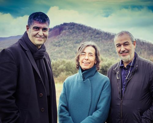 Rafael Aranda, Carme Pigem and Ramon Vilalta are the first trio ever to be awarded the Pritzker Prize / Javier Lorenzo Domínguez