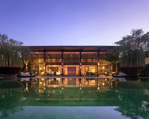 Soo K. Chan, the founder of SCDA Architects, and hospitality designer Ling Fu, have used holistic design and environmental practices to create Soori Bali / Soori Bali