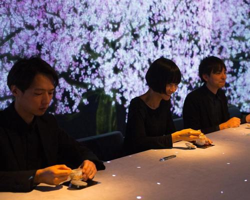 Only eight diners are allows in the restaurant each day / teamLab
