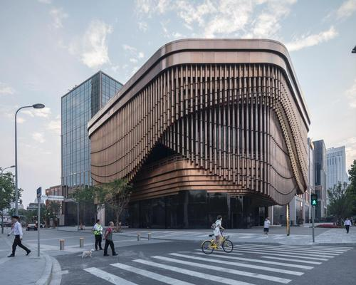 Berlin-based architecture photographer Laurian Ghinitoiu has captured the first images of an elegant new Shanghai theatre / Laurian Ghinitoiu