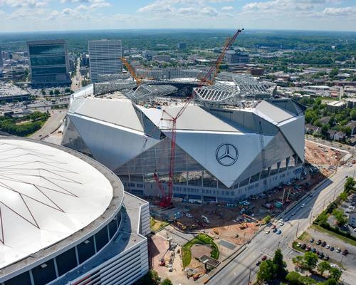 With a capacity of 83,000 people and a size of 2 million sq ft, the venue will be the largest in the NFL, surpassing the MetLife Stadium / Atlanta Falcons