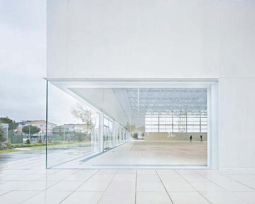 Glass walls and glass fibre reinforced concrete GRC are used to let light flood in