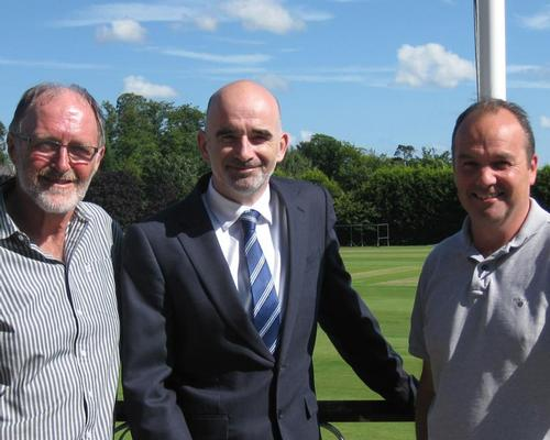L-R: Jeff Morris, chair of the EGSC trustees, Wave's CEO Duncan Kerr and treasurer of the EGSC trustees